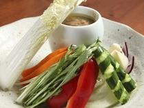 季節の野菜が愉しめるよう、仕入れにもこだわっています