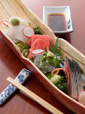 旬の魚介を堪能できる『本日のおすすめ刺盛り』