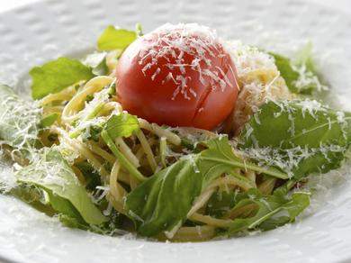 フルーツトマトのせA.O.Pスパゲッティ