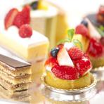 毎日入荷される旬の食材を吟味してパティシエが作り上げる日替わりケーキは、その日その場でしか味わうことのできない逸品です。