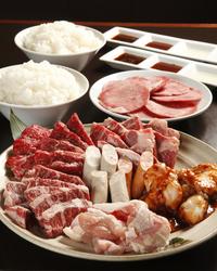 とにかくお肉を沢山食べたい方におすすめ!通常コースの1,5倍の量のお肉!