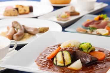おすすめの料理をコースで堪能『ディナーコース~ディーレ~』