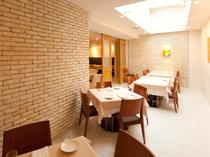 上品な空間はデート、大事な人との食事、記念日のお祝いに最適