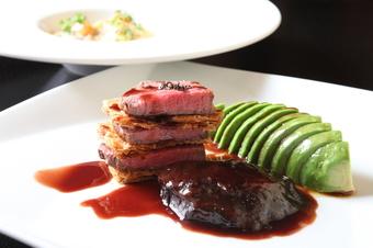 飛騨高山の味覚を堪能したい方におススメ 飛騨豚や飛騨牛の各部位を使ったお肉だけで構成されたコースです