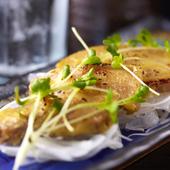 味わい深いおすすめの一品『柔らか三枚肉の西京焼き』