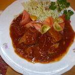 蓬田産トマトたっぷりスペアリブピリ辛ソース煮込み