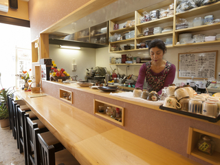 「料理も接客も正直に、心尽くしを一皿に込めています」