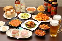 優しい豆乳スープと辛ウマ麻辣スープでいただくアツアツの火鍋が今年もスタートしました!!