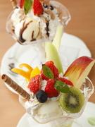 季節のフルーツを使って作る趣向を凝らしたデザート