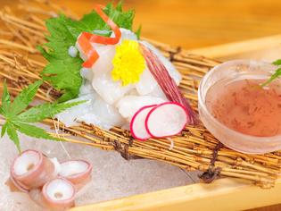 梅のさわやかな風味と食感『水蛸のお造り 梅ドレッシング添え』