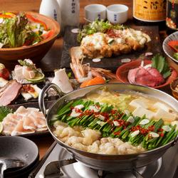 「美桜鶏の黒炭焼き」や「博多もつ鍋」も選べる!ちょっと贅沢な内容がそろったコースです。
