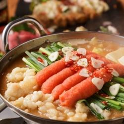 「博多明太子もつ鍋」「特選牛」「土佐鰹」「美桜鶏」豪華素材を贅沢に使った自慢のコースです!
