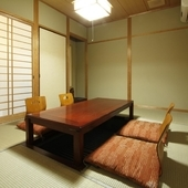 純和風の個室も用意しています