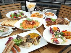 パスタや肉料理など人気の9品が贅沢に楽しめるパーティープランになります。