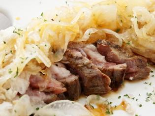 くさみがないラム肉の味わい『生ラムレアステーキ』
