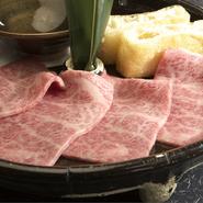 肩ロースの中でも一番上質な部位の肉です。スジなど余計なものがなく、柔らかく口の中で溶けてしまいます。