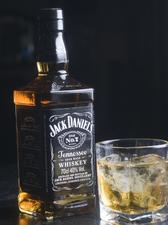 テネシー・ウイスキー『Jack Daniel's』も味わえる