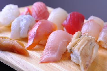 旬の魚を堪能できる『おまかせ』握り