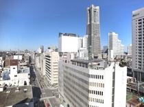 移りゆく横浜みなとみらいの景色をお楽しみいただけます