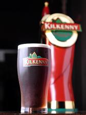 アイルランド最古のエールビール『キルケニー』1PINT、1/2PINT