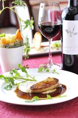 勝負デートやお祝い事に!上質な食材達を丁寧に仕上げた贅沢なコースです。