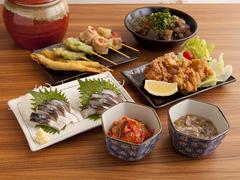 ボリュームたっぷり 人気メニューで構成した料理は全6品(メインの串カツは8本)  4名様から