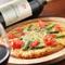 パリパリの食感『トマトとアスパラピザ』