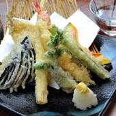 揚げたて熱々『天ぷら盛り合わせ』