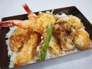 築地仕入れの新鮮素材を使った錦伝統の海鮮寄せ鍋です