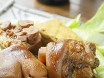地元沖縄の家庭の味を提供します
