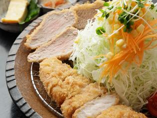 こだわりの豚肉をふんだんに味わうことのできる『桜御膳』