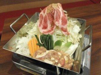 飲み放題付き。 お勧めの日本酒、和製果実酒などを楽しみたい方々は、料理のみ3000円で承ります。