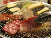 極上の国産肉を、七輪炭火焼きで