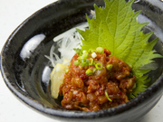 適度な辛味と歯応え抜群、韓国風塩辛。