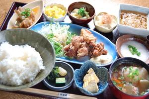 お手頃な価格でいろんな食材を楽しめる『日替わり桜御膳』