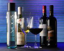 料理に合わせて厳選したワインもあります