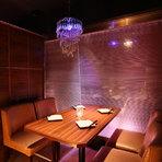 いつもの週末のデートを、特別な夜に変える2人だけの特別空間