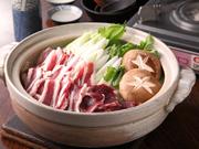 地元の新鮮な猪を使い、くさ味がなく出しの風味と香りがよい貴重な一品。4月から11月は予約のみ可能です。