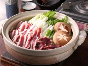 4月から11月は予約制の宴会パックがおすすめ『野生猪鍋』