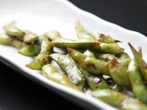 手軽に食べられる『焼き枝豆』