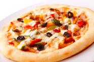富士桜ポークと彩り野菜のピザ