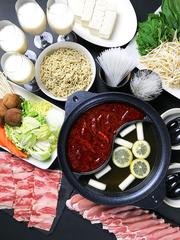 あるます~ぷのスープを最大限に活かして薬膳火鍋コース。夜限定、完全御予約、事前に御予約ください。