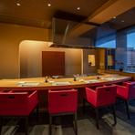 『博多』、『料理長のおもてなし』などのコースでは鉄板焼のメニューとともに、旬の素材を使った会席仕立てのお料理も楽しめます。『旬のおもてなし』は期間限定で博多コースに加えて美味しい一品がプラス。
