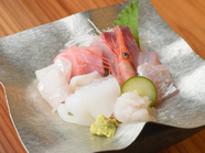 キトキトな魚介類を毎日用意『富山湾造り盛り合わせ』