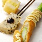 旬の食材にこだわる串揚げは、月替わりで楽しめます