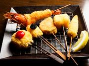 桃屋の串揚げは毎月、旬食材を使って、定番以外の串揚げを変化させています。
