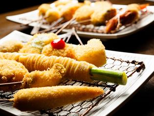 お腹いっぱい串揚げを食べたい方におすすめの『串の行進』