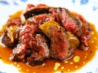 やわらかくお肉の旨みが凝縮された『牛バべットステーキ』