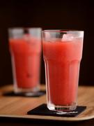フルーツジュースは果汁100%! 写真はブラッドオレンジ