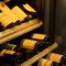 店内にワインセラー完備、世界のワインが揃っています